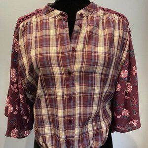 ⭐BNWT Francesca's Plaid and Floral Tie Waist Top